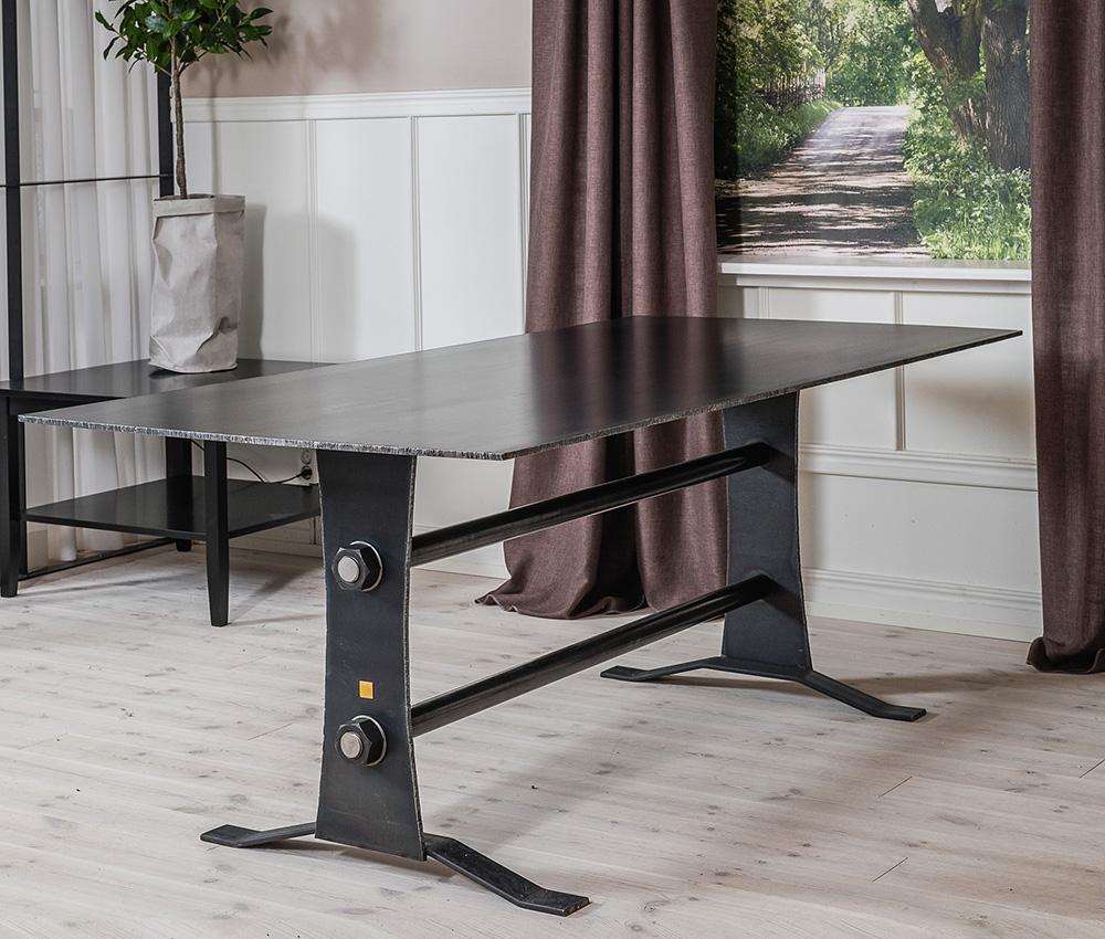 matbord i stål