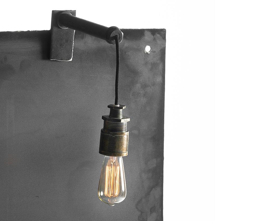 lampa i stål